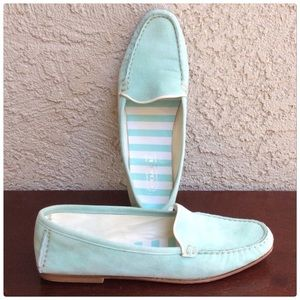 GORGEOUS!! Tiffany Blue Loafers